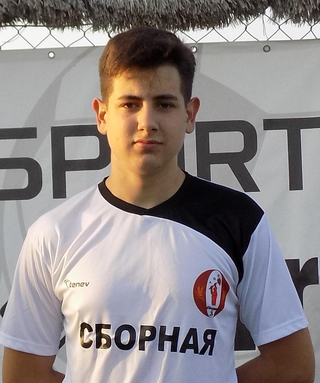 Момчилов
