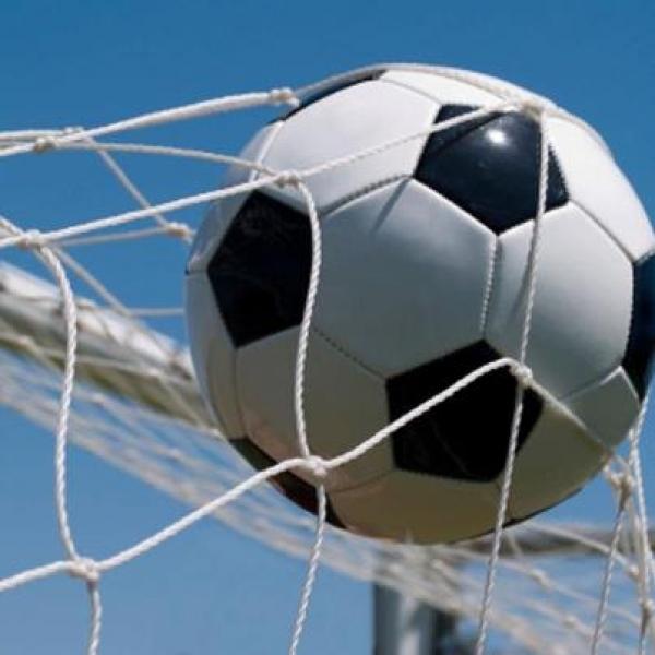 Десет гола в дербито на кварталите