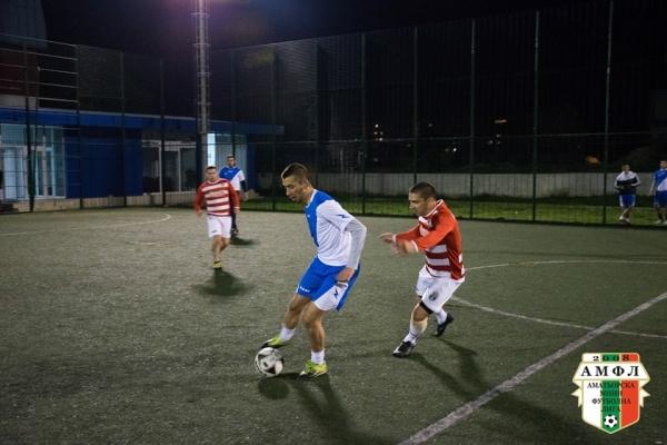 ФК Кавалер и ФК Дръзки откриват футболната седмица в АМФЛ Варна от 19:00 днес