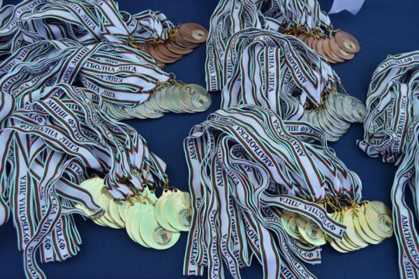 С блясък на медали – Лига 2