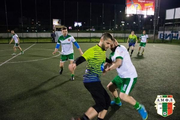 Тича и Зеленина откриват футболната вечер