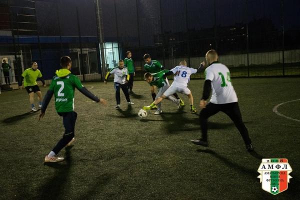 Без изненади премина петъчния футболен маратон е АМФЛ Варна.