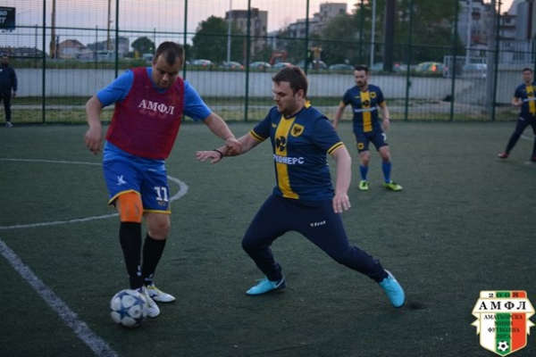 МФК Спартак изигра добър мач , но загуби с 4:7 от The Unity